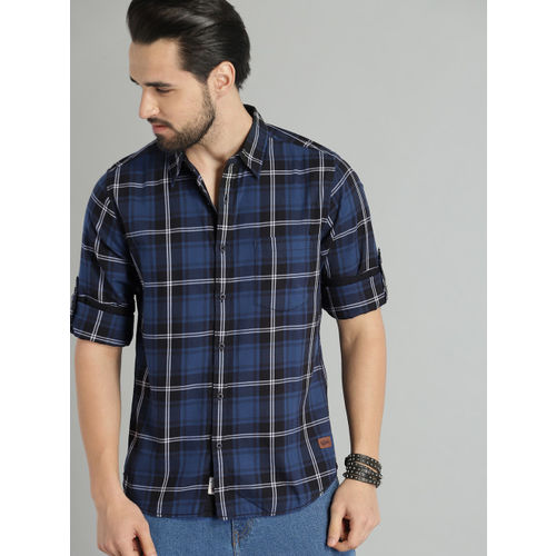 Roadster Men Navy Blue & Black Checked Casual Shirt