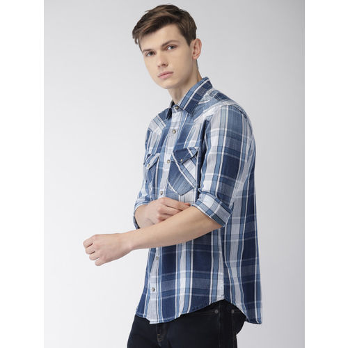 Celio Men Blue & White Regular Fit Checked Casual Shirt
