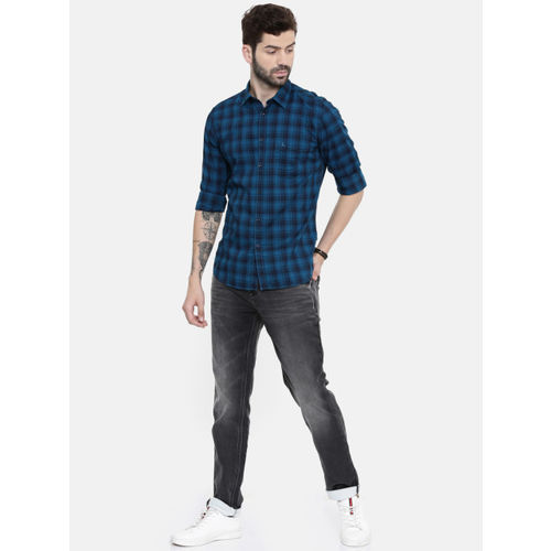Parx Men Blue & Black Checked Regular Fit Casual Shirt