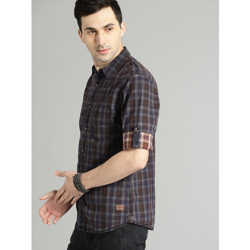 Roadster Men Brown & Blue Regular Fit Checked Casual Shirt