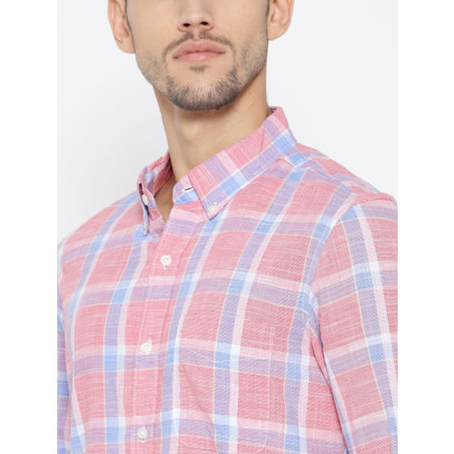 AMERICAN EAGLE OUTFITTERS Men Pink & Blue Regular Fit Checked Casual Shirt