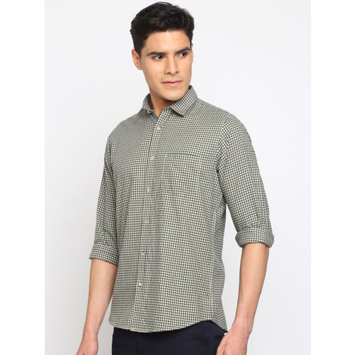 Crocodile Men Beige & Black Slim Fit Checked Casual Shirt