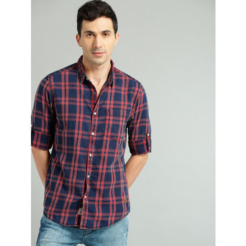 Roadster Men Navy Blue & Rust Red Checked Casual Shirt
