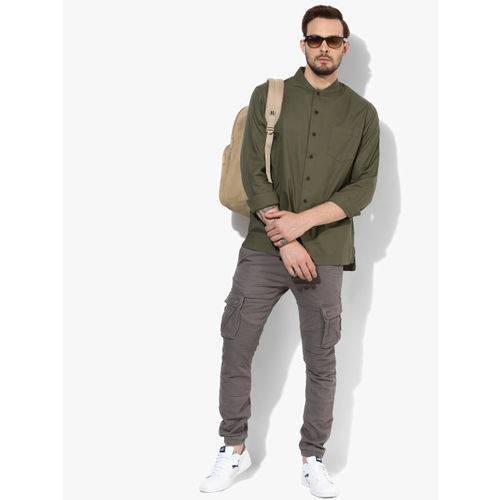 Celio Olive Regular Fit Solid Casual Shirt