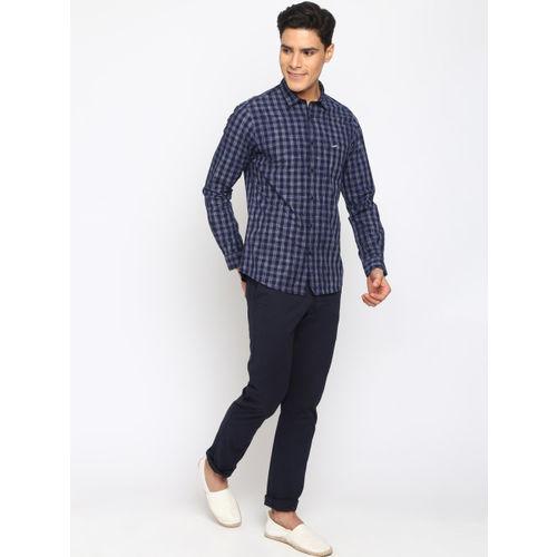Crocodile Men Navy Blue Slim Fit Checked Casual Shirt
