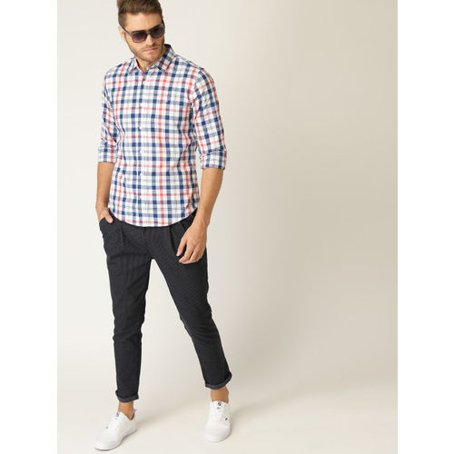 United Colors of Benetton Men White & Navy Blue Slim Fit Checked Casual Shirt