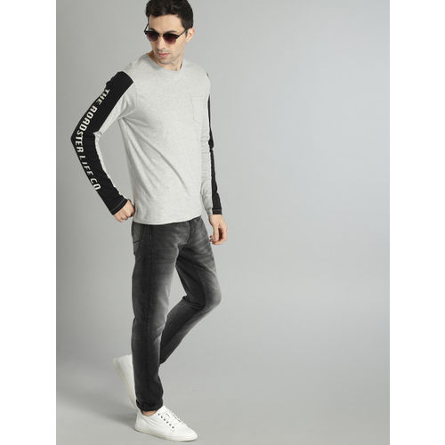 Roadster Men Grey Melange Solid Round Neck T-shirt