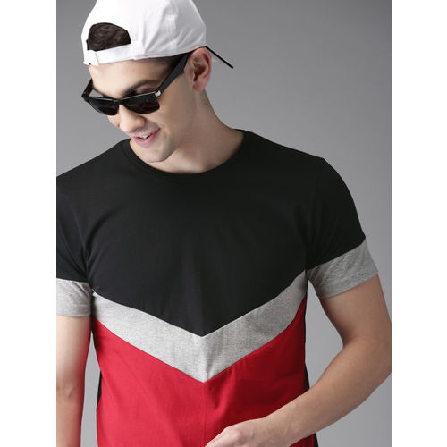 HERE&NOW Men Black & Red Colourblocked Round Neck T-shirt
