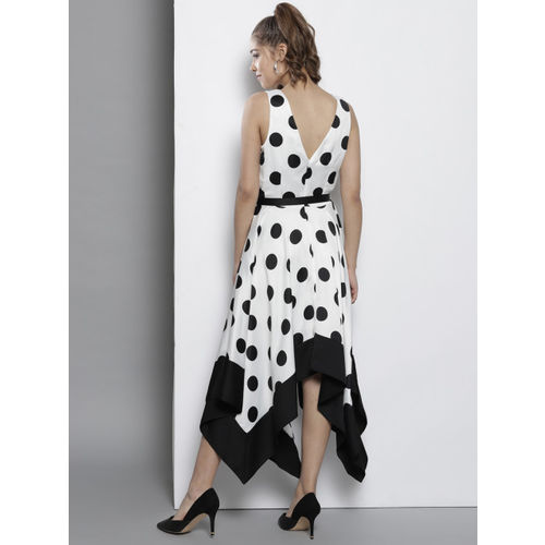 DOROTHY PERKINS Women White & Black Printed Fit and Flare Dress