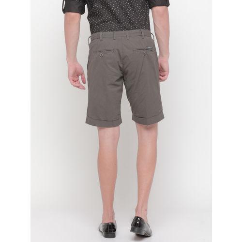 SHOWOFF Men Brown Solid Slim Fit Regular Shorts