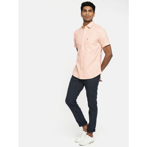 U.S. Polo Assn. Men Peach-Coloured Tailored Fit Solid Casual Shirt