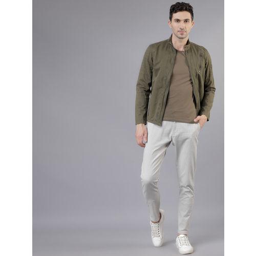 HIGHLANDER Men Off-White & Grey Slim Fit Checked Regular Trousers