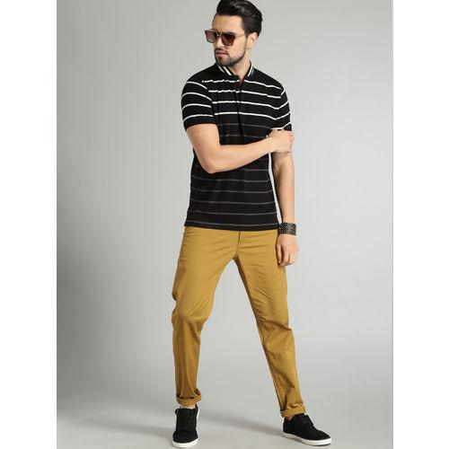 Roadster Men Khaki Brown Regular Fit Solid Chinos