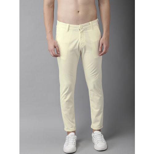 HERE&NOW Men Cream-Coloured Slim Fit Solid Chinos