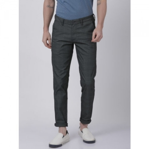 Crocodile Men Charcoal Grey Slim Fit Checked Chinos