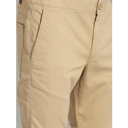 Roadster Men Beige Solid Convertible Chinos