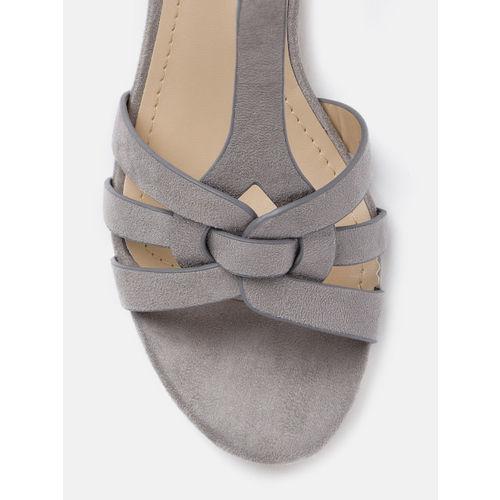 Mast & Harbour Women Grey Solid Heels
