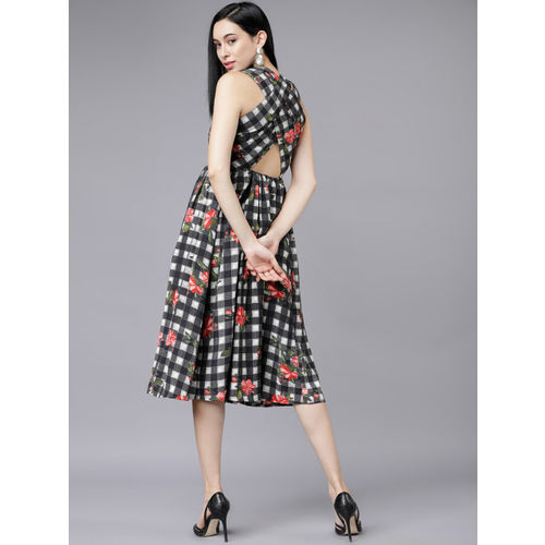 Tokyo Talkies Women Black & White Checked Floral Printed Fit and Flare Dress