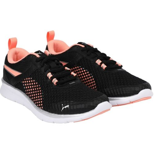 Puma Flex Essential Pro Running Shoes For Men(Black)