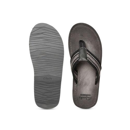 Clarks Men Grey & Black Striped Thong Flip-Flops