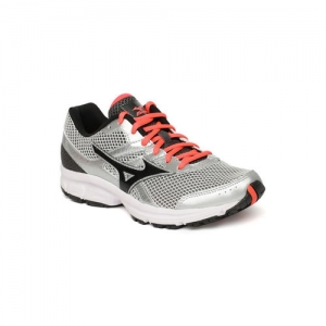 Mizuno Women Silver-Toned & Black SPARK Running Shoes
