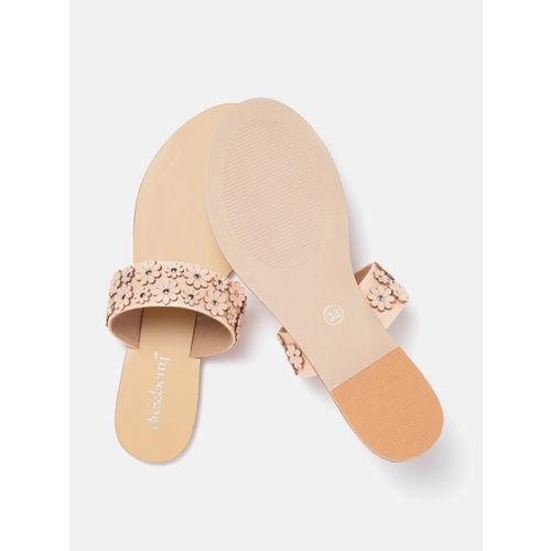 DressBerry Women Peach-Coloured Floral Applique One Toe Flats