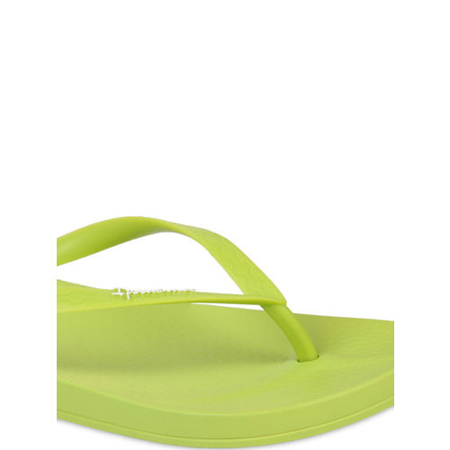 iPanema Women Green Solid Thong Flip-Flops