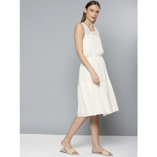 Chemistry Women White Solid Fit and Flare Dress