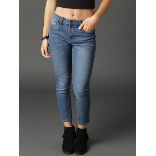 Roadster Women Blue Skinny Fit Mid-Rise Clean Look Stretchable Crop Jeans