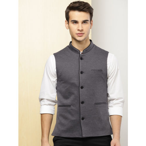 INVICTUS Men Charcoal Grey Solid Slim Fit Single-Breasted Waistcoat