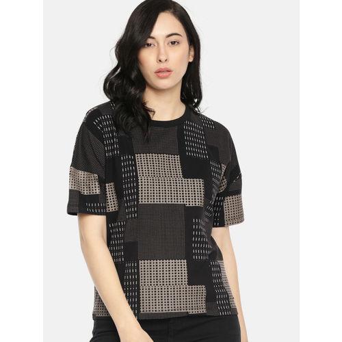 Roadster Women Black Printed Round Neck T-shirt
