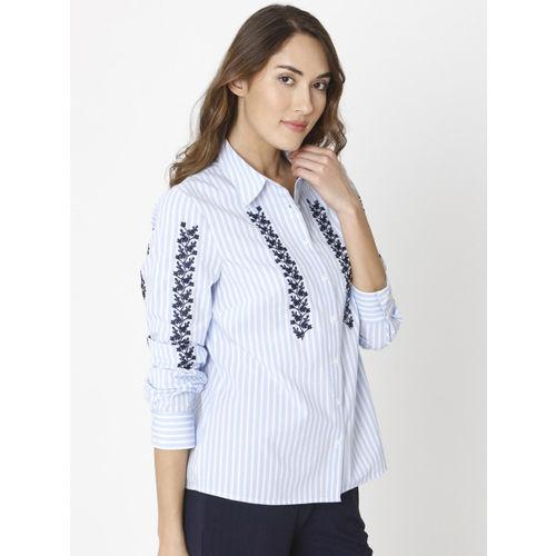 Vero Moda Women White & Blue Regular Fit Striped Casual Shirt