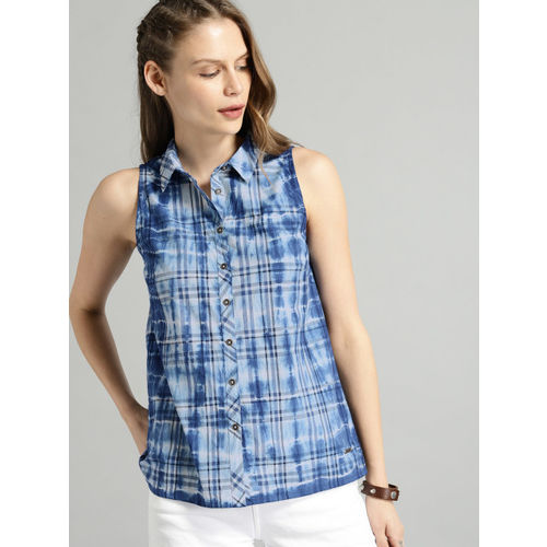 Roadster Blue & Off-White Regular Fit Checked Casual Shirt