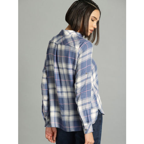 Roadster Women Blue & White Regular Fit Checked Casual Shirt