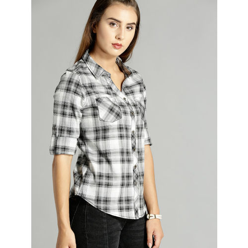 Roadster Women Grey & Black Slim Fit Checked Casual Shirt