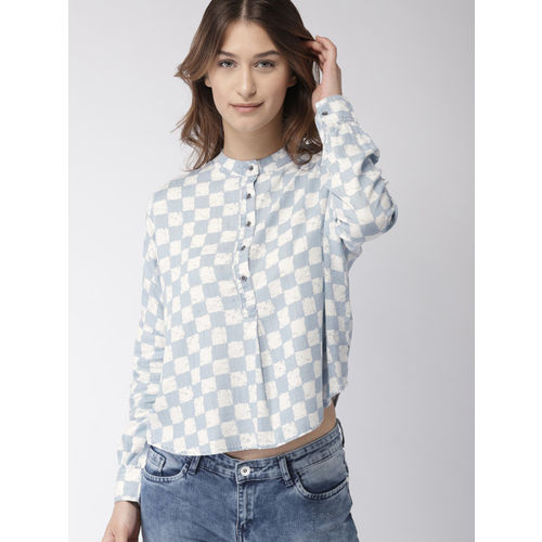 Levis Women Blue & White Classic Regular Fit Checked Casual Shirt