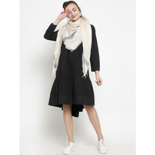 J Style Women Cream-Coloured Solid Scarf