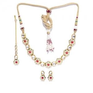 f3a3b98e55 Melani Borsa Women Pink Gold-Plated Kundan-Studded Handcrafted Jewellery Set
