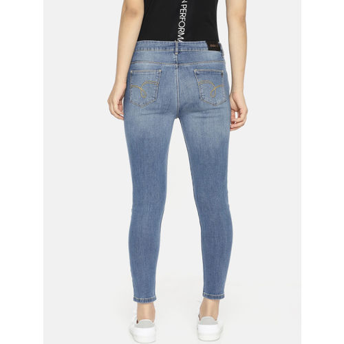 Jealous 21 Women Blue Hottie Fit Mid-Rise Clean Look Stretchable Cropped Jeans