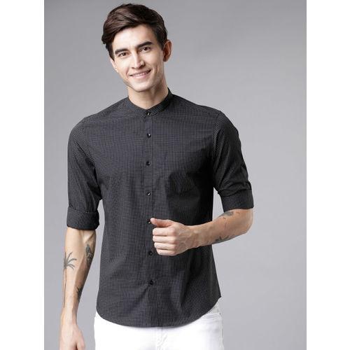 HIGHLANDER Men Black & White Slim Fit Checked Casual Shirt