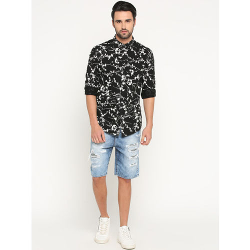 SHOWOFF Men Black Slim Fit Printed Casual Shirt