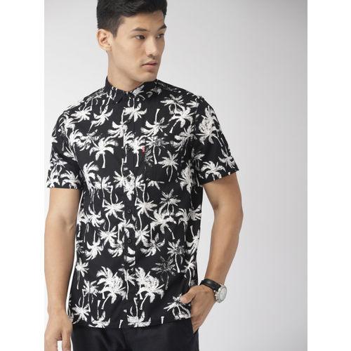 Levis Men Black & White Slim Fit Printed Casual Shirt