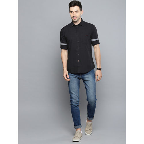 Louis Philippe Sport Men Black Tailored Fit Solid Casual Shirt