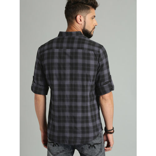 Roadster Black & Grey Regular Fit Checked Casual Shirt