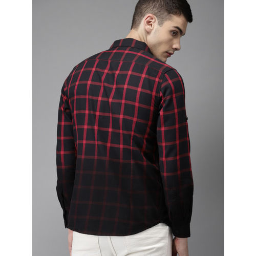 Moda Rapido Men Black & Red Slim Fit Checked Casual Shirt