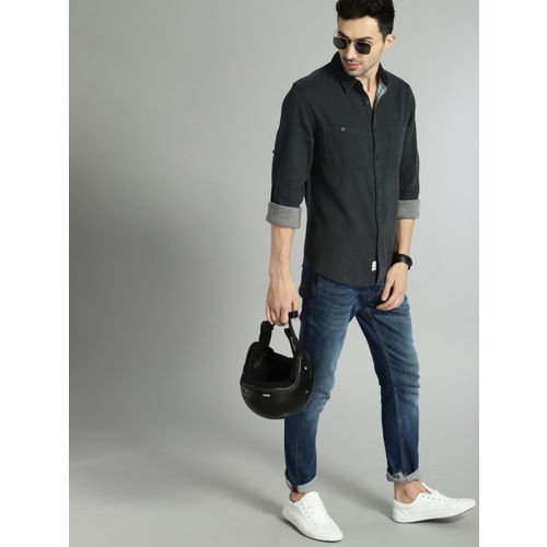 Roadster Men Black Solid Structured Casual Shirt