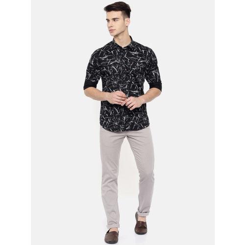 COOL COLORS Men Black & White Slim Fit Printed Shirt