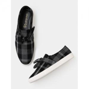DressBerry Black Synthetic Slip-On Sneakers