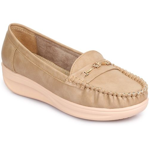 TRASE Vamour Loafers For Women(Beige)