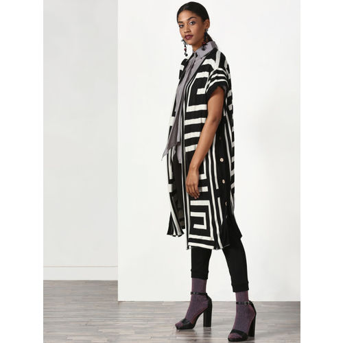Miss Bennett Black & White Printed Open Front Shrug